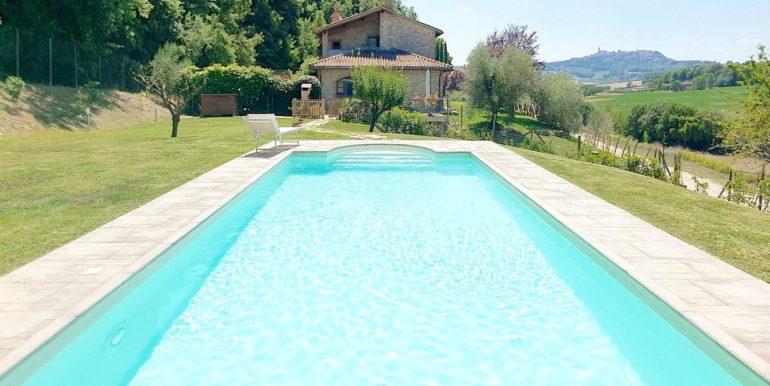 10-swimming pool and villa-villa todina
