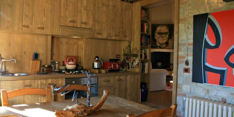 08-s472-kitchen