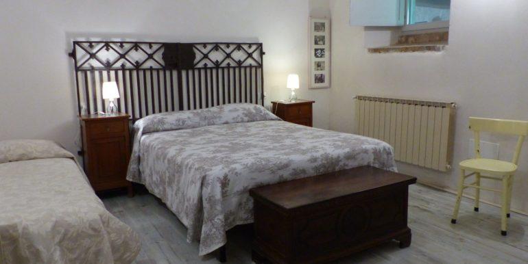 17 oca blu_bedroom
