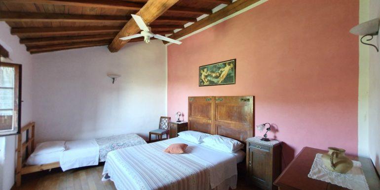 15-s565-bedroom