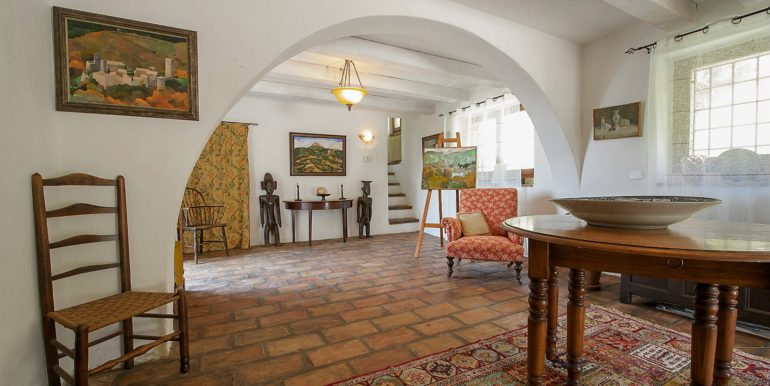 18-s574-living room-Prato di sopra