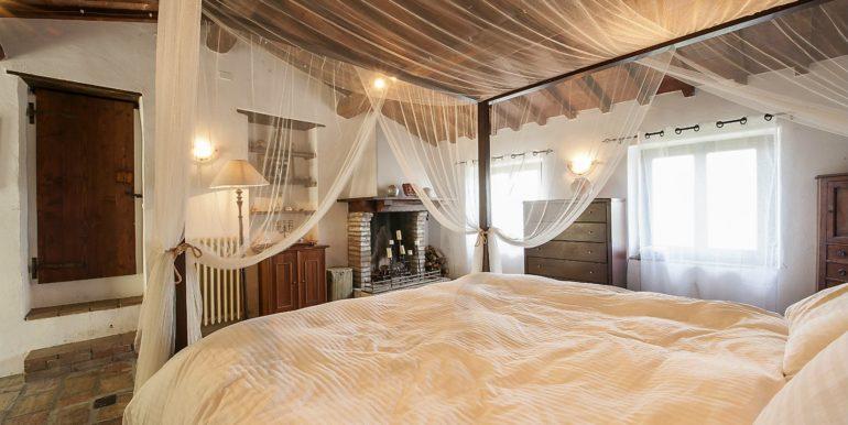 21-s574-bedroom-Prato di sopra
