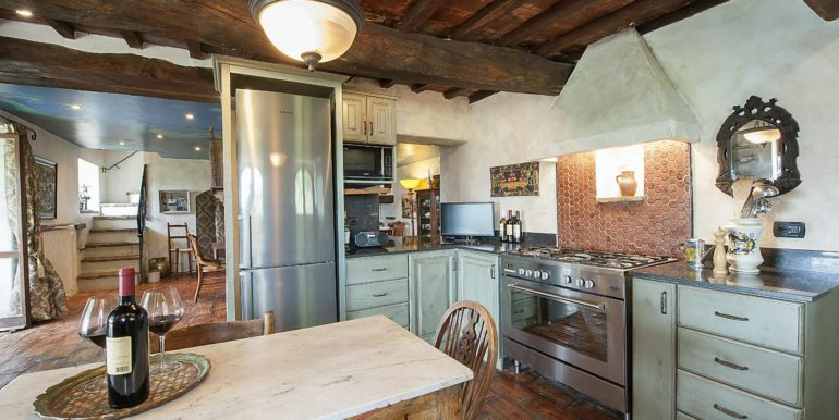 22-s574-kitchen-Prato di sopra