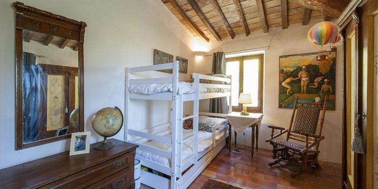 25-s574-Bedroom with bunk beds-Prato di sopra