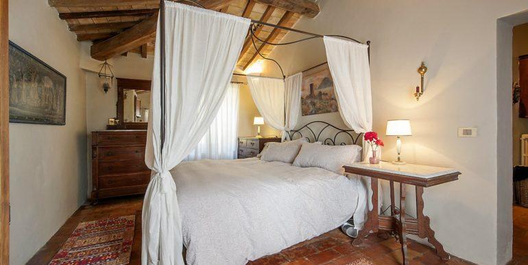 26-s574-bedroom-Prato di sopra