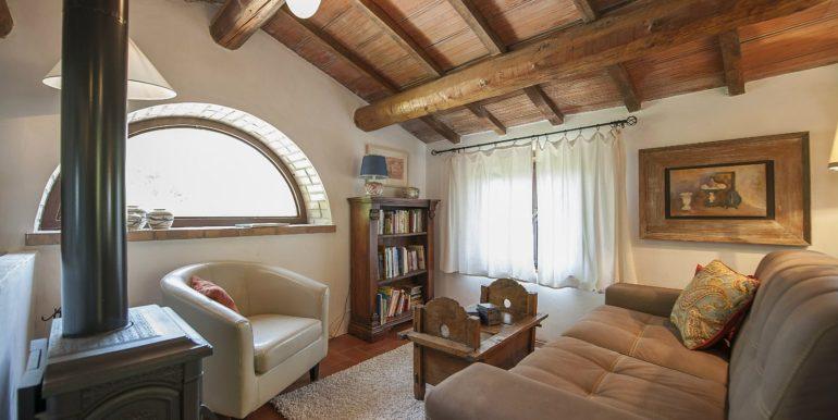 31-s574-sitting-Prato di sopra