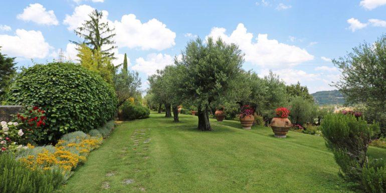 18-s573-marvelous park of villa-il Giardino del Porcinai