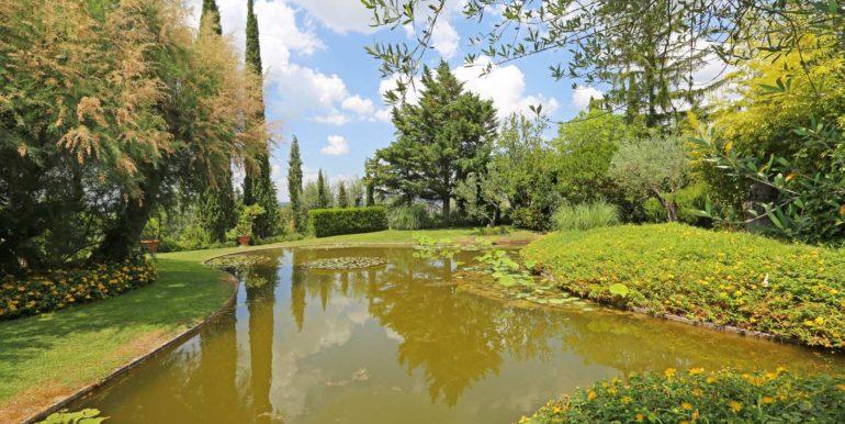 20-s573-pond and garden-il Giardino del Porcinai