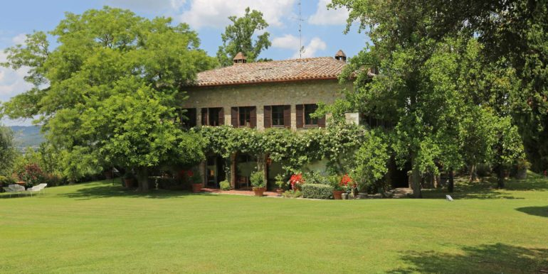 5-s573-outside of property-il Giardino del Porcinai