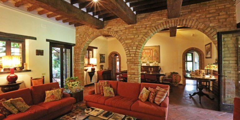 26-s573-living room-il Giardino del Porcinai