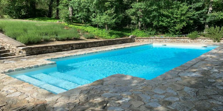 10-s576-pool and garden