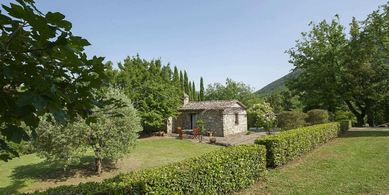 27-s676-garden and guest house