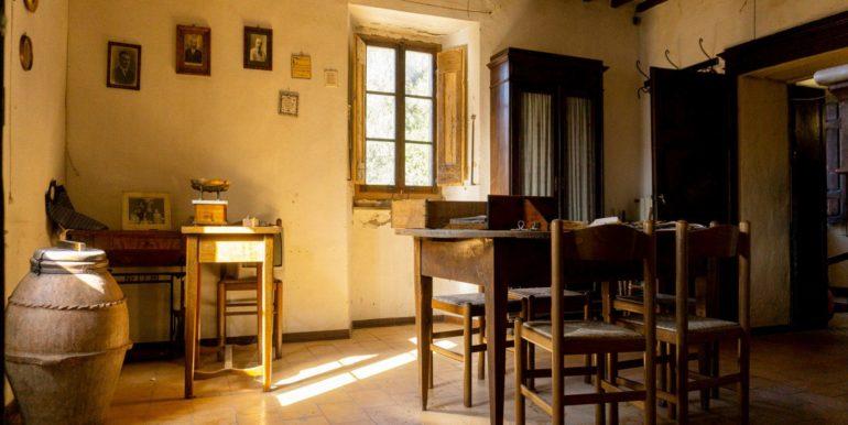 27-s584-dining-villa schine