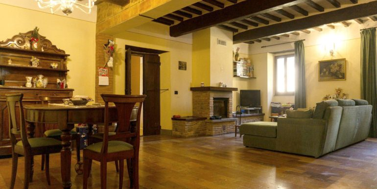 30-s584-living room-villa schine