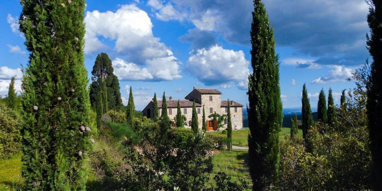 2-s594- farmhouse for sale chianti-Casale La Madonna-via dei colli