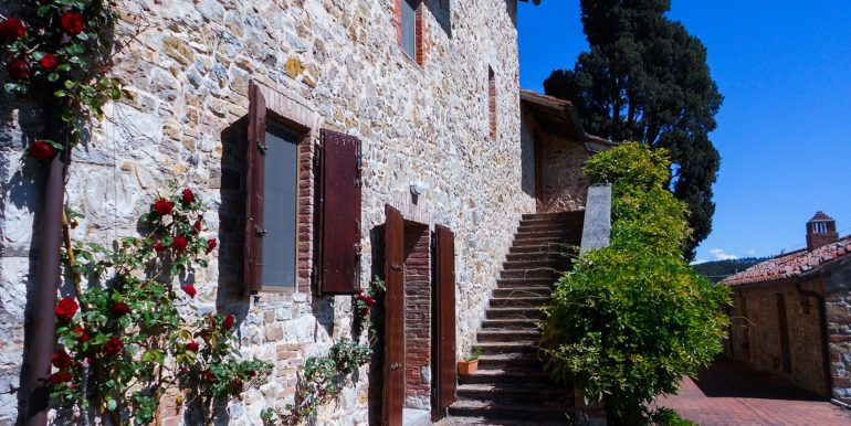 3-s594- farmhouse for sale chianti - Casale La Madonna-via dei colli