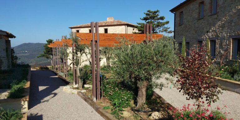 12-s598-prestigious apartment for sale in umbria-il tulipano-via dei colli