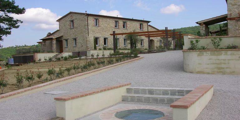 16-s598-prestigious apartment for sale in umbria-il tulipano-via dei colli