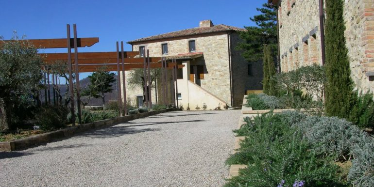 3-s598-prestigious apartment for sale in umbria-il tulipano-via dei colli