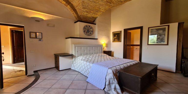 14-s599 - ancient hotel for sale in trevi - palazzo natalini - via dei colli