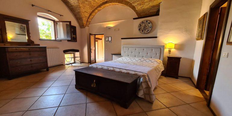 15-s599 - ancient hotel for sale in trevi - palazzo natalini - via dei colli