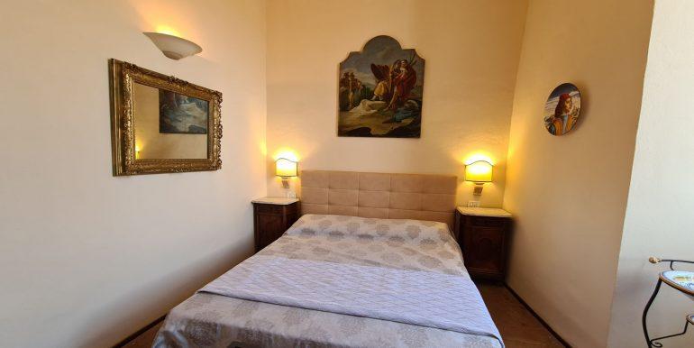 17-s599 - ancient hotel for sale in trevi - palazzo natalini - via dei colli