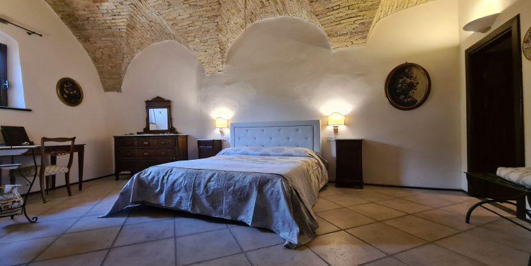 19-s599 - ancient hotel for sale in trevi - palazzo natalini - via dei colli