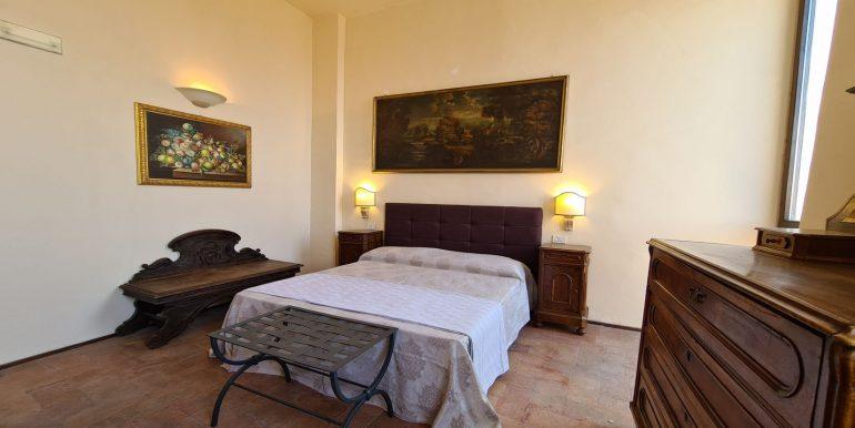 20-s599 - ancient hotel for sale in trevi - palazzo natalini - via dei colli