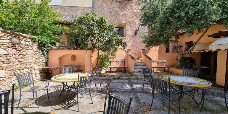 24-s599 - ancient hotel for sale in trevi - palazzo natalini - via dei colli