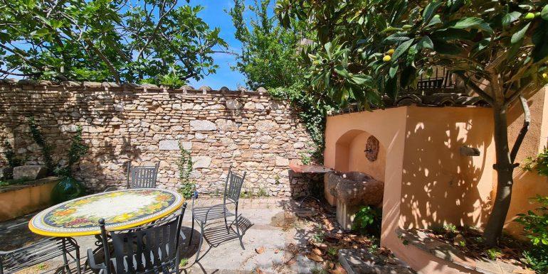 27-s599 - ancient hotel for sale in trevi - palazzo natalini - via dei colli