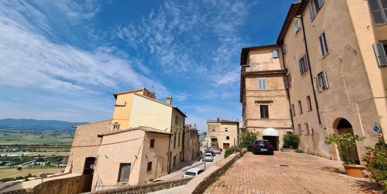 7-s599 - ancient hotel for sale in trevi - palazzo natalini - via dei colli