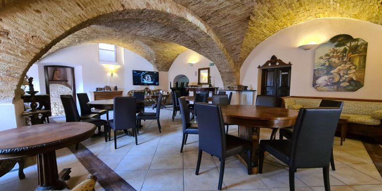 9-s599 - ancient hotel for sale in trevi - palazzo natalini - via dei colli
